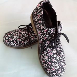 Forever floral lug sole shoes